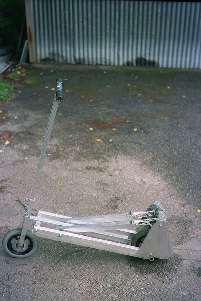 IMG33AScooter.JPG
